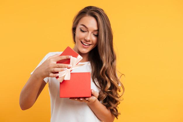 kobieta i prezent