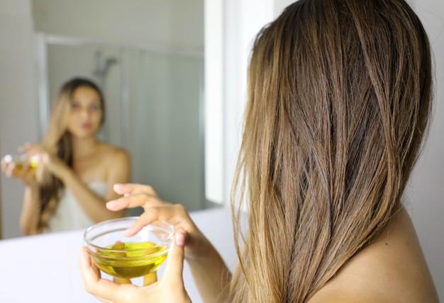 oliwa z oliwek na wlosy