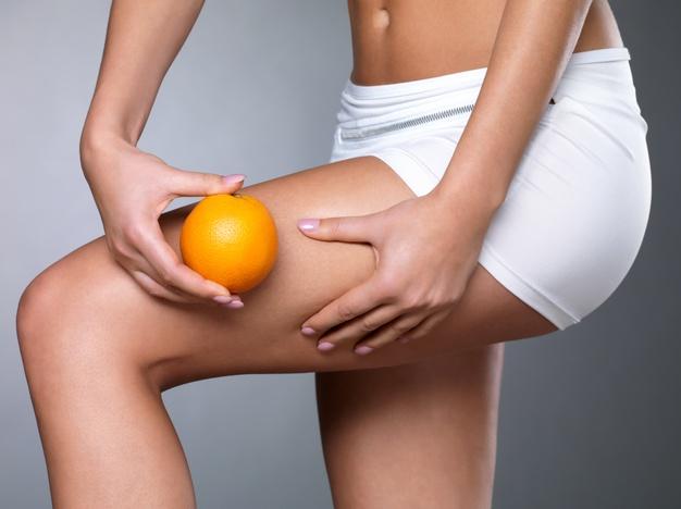 skorka pomaranczowa na nogach